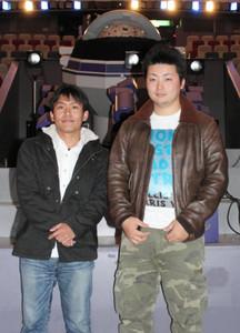 上映作品を制作した岡田修平さん(右)と鈴木克俊さん=松阪市立野町のみえこどもの城で
