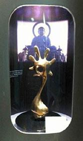 展示されている高岡銅器のオブジェ