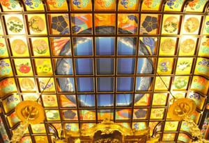 日本画家・清河さんが描いた北アルプスのパノラマの天井画=黒部市宇奈月町浦山で