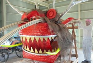迫力ある竜の形相をした大蛇の頭=豊郷町四十九院で