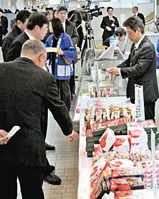 小松市の物産品が並ぶ「空の駅こまつ」