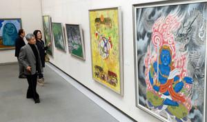 日本画の力作が並ぶ「創日展」=県美術館で