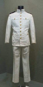 三島由紀夫が組織した楯の会の制服=一宮市大和町妙興寺の市博物館で