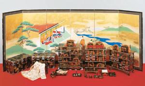 精巧に作られた弥千代のひな道具の一部=彦根城博物館提供